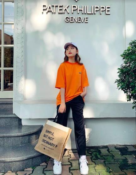 Cool như Sao Việt: Lùng ngay chiếc túi vải vedette này sử dụng để vừa xinh đẹp, vừa trendy, vừa bảo vệ môi trường - Hình 6
