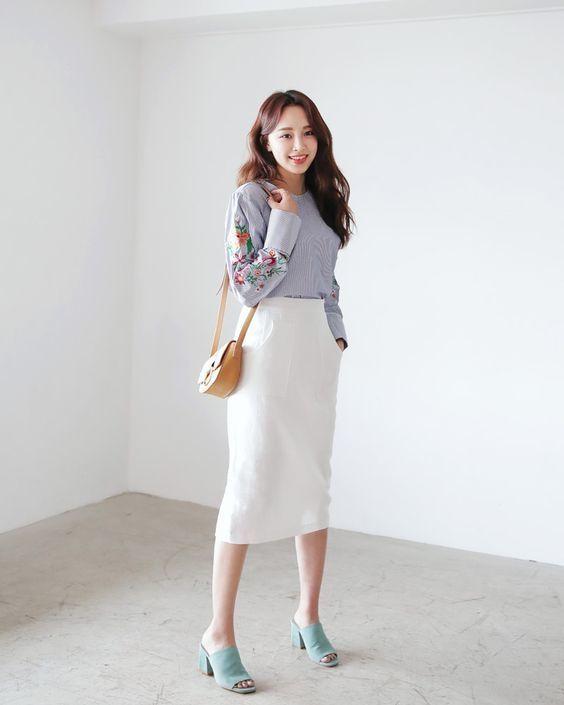 Đã xinh xắn, trendy lại còn giúp hack dáng, đây là 5 kiểu váy bạn nên bổ sung ngay - Hình 21