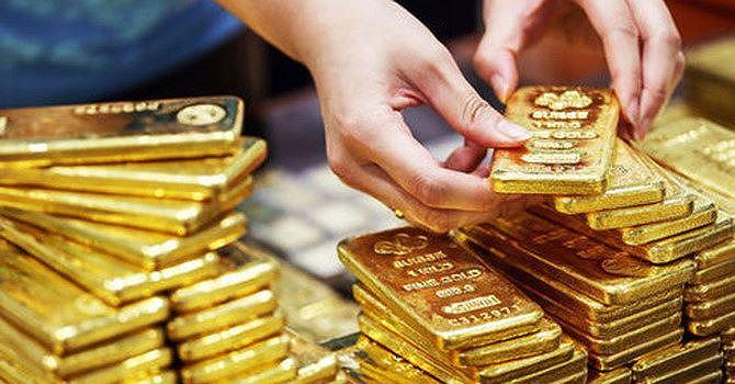 Giá vàng tiếp tục lập đỉnh mới phiên cuối tuần - Hình 1