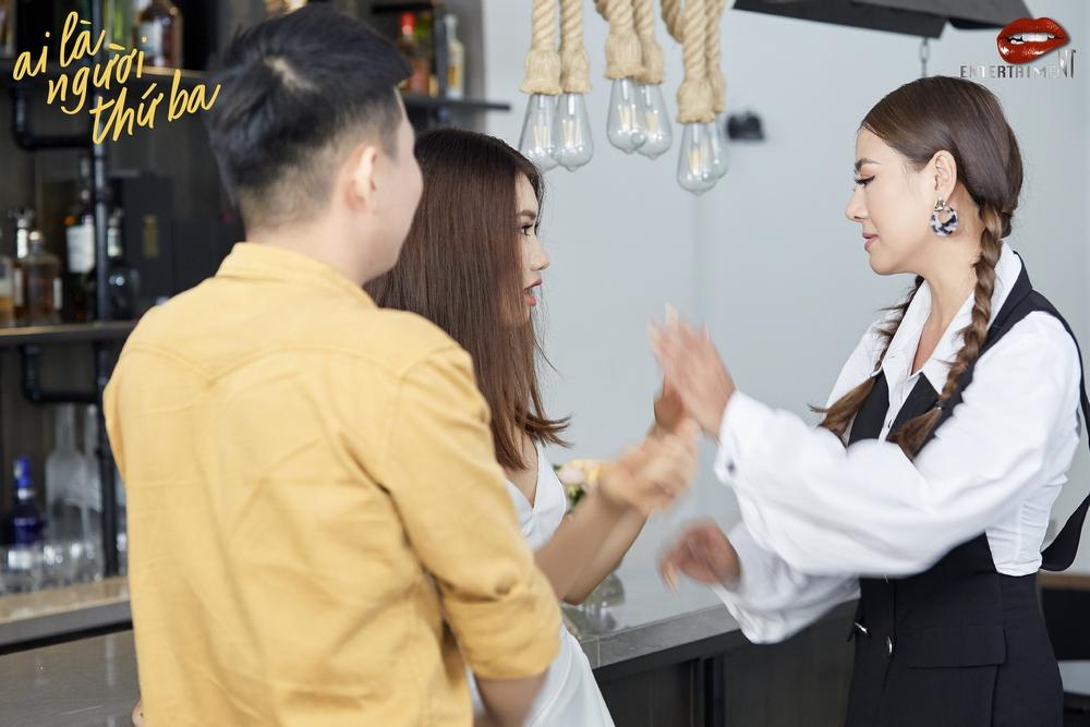 Nam Thư tung trailer Ai là người thứ ba, gây sốt với cảnh tranh giành tình yêu đầy kịch tính - Hình 2