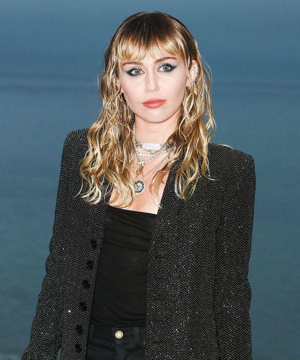 Ngày Miley Cyrus xoa dịu Nicki Minaj đã đến: Cardi B hẳn lại bị hẫng nhẹ rồi đây... - Hình 3