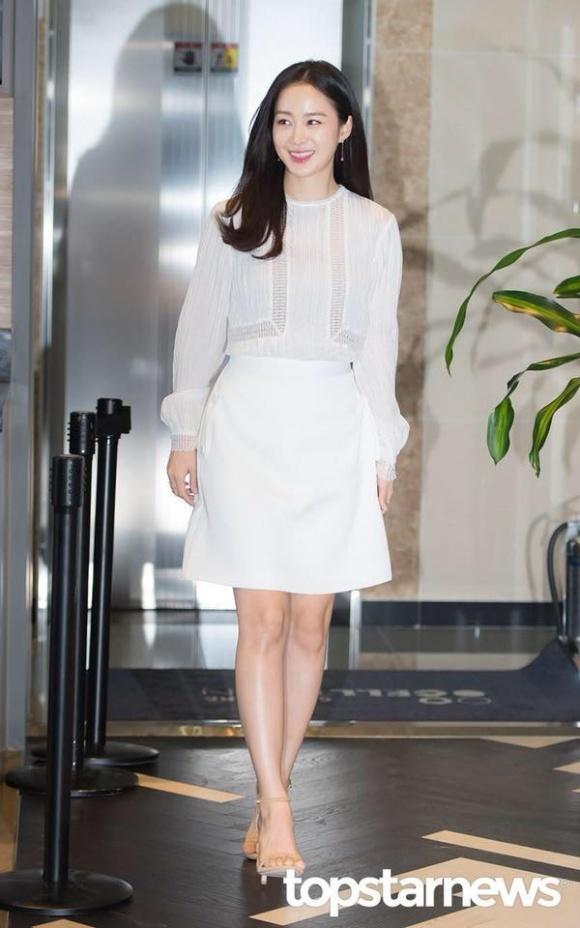 Nữ thần nhan sắc xứ Hàn dù mang thai lần 2 vẫn trẻ đẹp như gái đôi mươi - Hình 9