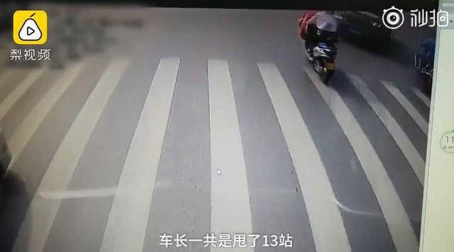 Tài xế xe bus bỏ qua 13 trạm dừng, vượt 3 đèn đỏ để đưa 1 cháu bé tới bệnh viện, và câu chuyện chỉ có trên phim - Hình 3