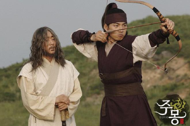 7 bom tấn cổ trang Hàn Quốc từng gây bão mà Arthdal Niên Sử Ký của Song Joong Ki không có cửa đọ lại - Hình 7