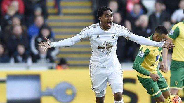 AS Roma đàm phán hàng 'free' của Swansea City - Hình 1