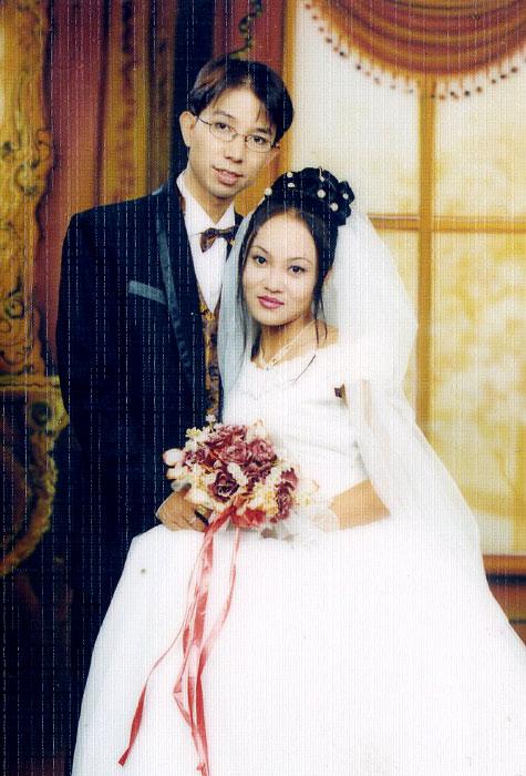 Bí mật về vợ Long Nhật: Là hoa khôi Hải Phòng, luôn im lặng trước tin đồn giới tính của chồng - Hình 1
