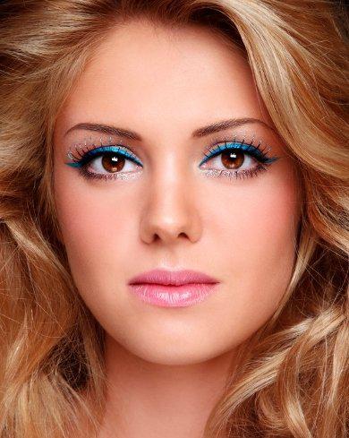 Bí quyết trang điểm mắt đẹp đi dự tiệc đêm - Hình 2