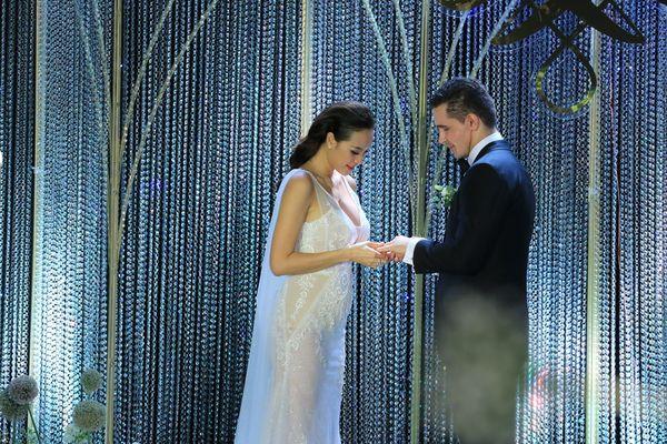 Choáng với giá trị bộ trang sức của Phương Mai diện trong ngày cưới - Hình 4