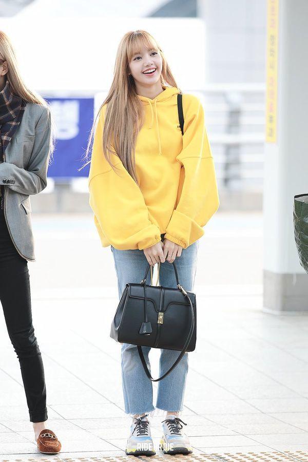 Đã xinh đẹp, Lisa còn xứng danh nữ idol sở hữu street style ngầu như fashionista - Hình 7