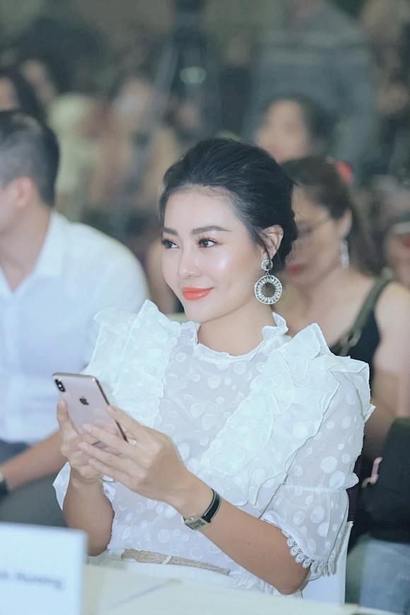 Diễn viên Thanh Hương diện váy trắng nền nã dự event ngày cuối tuần - Hình 1