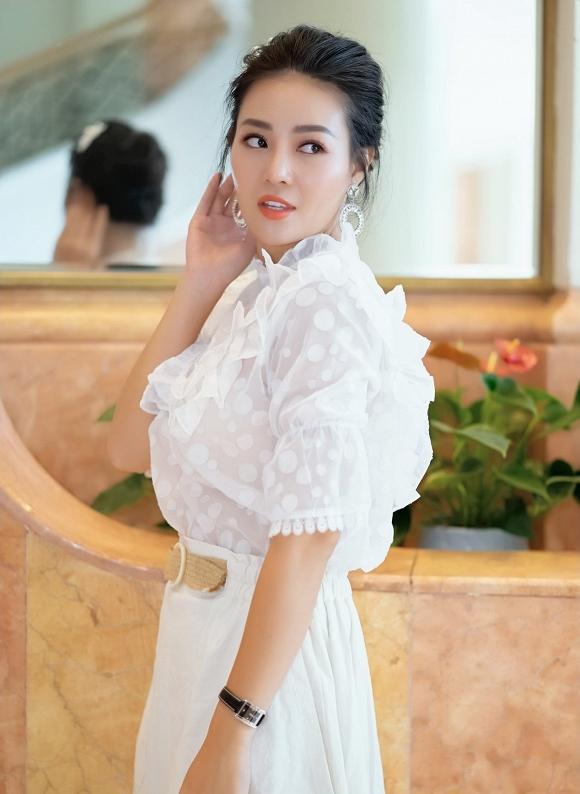 Diễn viên Thanh Hương diện váy trắng nền nã dự event ngày cuối tuần - Hình 7