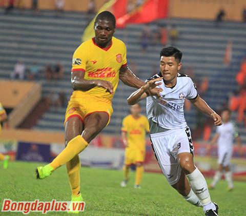 DNH Nam Định 2-1 SHB Đà Nẵng: Nam Định tạm rời nhóm cuối - Hình 5