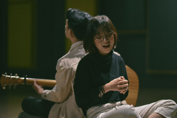 Gia Nghi (The Voice) gây ấn tượng mạnh khi hát về cha trong dự án Nhà có nhạc - Hình 3