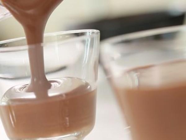 Mousse chocolate ngon thần sầu mà làm dễ lắm chẳng cần lò nướng, các mẹ thử ngay nhé! - Hình 5