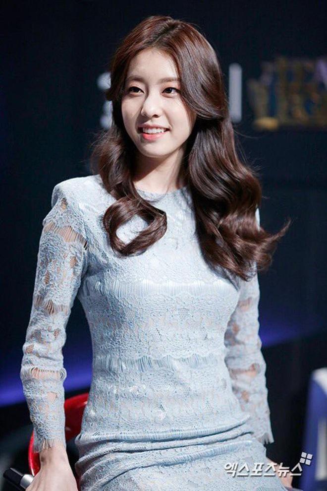 Tài tử So Ji Sub tậu biệt thự trăm tỉ để đón bạn gái kém 17 tuổi về dinh, chuẩn bị làm hàng xóm với BTS? - Hình 2