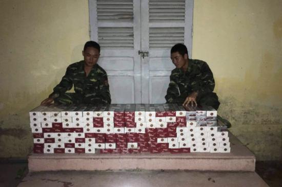 Thu giữ gần 1.500 gói thuốc lá ngoại nhập lậu - Hình 1