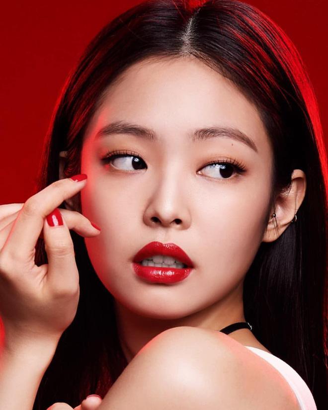 Top 30 idol nữ hot nhất Kpop: Jennie (BLACKPINK) lấn át nữ thần SM, hạng 4 và 5 bất ngờ nhưng Lisa còn khó hiểu hơn - Hình 1