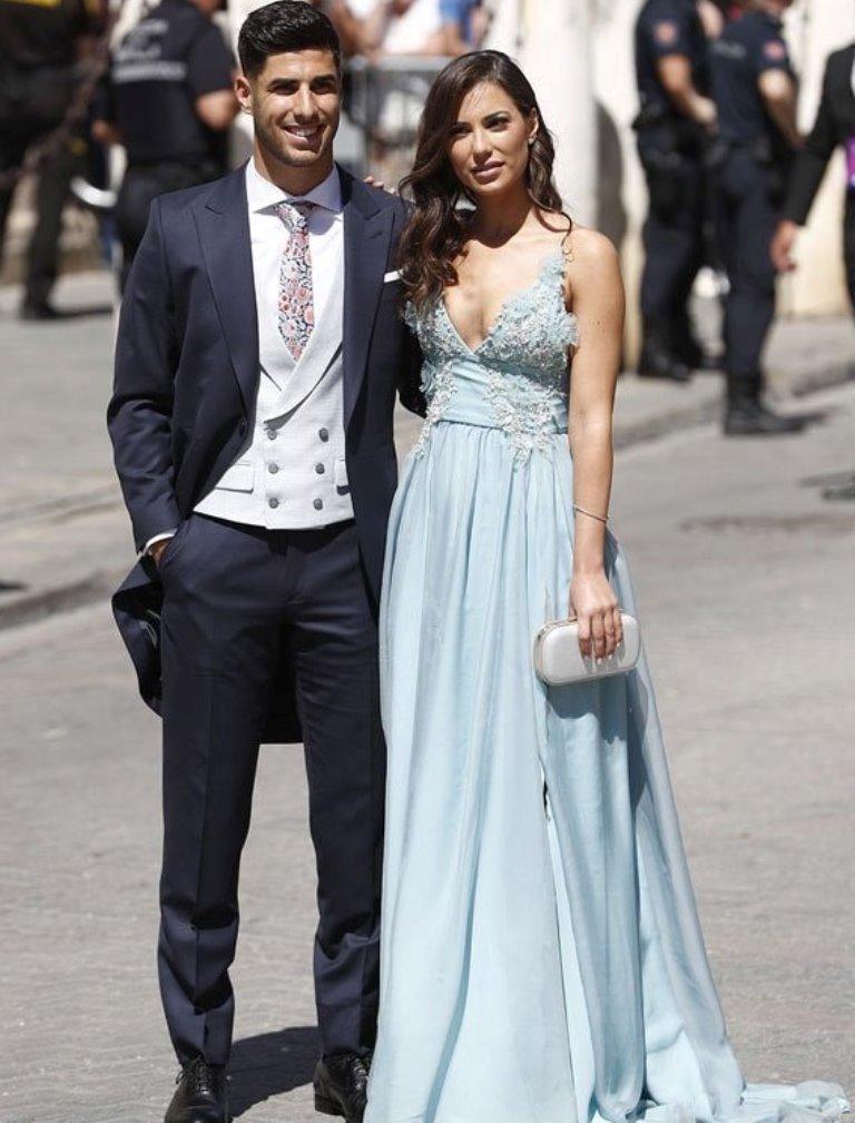 Vợ Nacho 'thả rông' trong lễ cưới Sergio Ramos - Hình 4