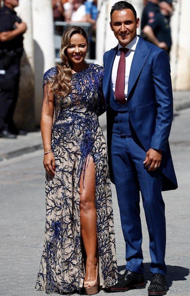 Vợ Nacho 'thả rông' trong lễ cưới Sergio Ramos - Hình 8