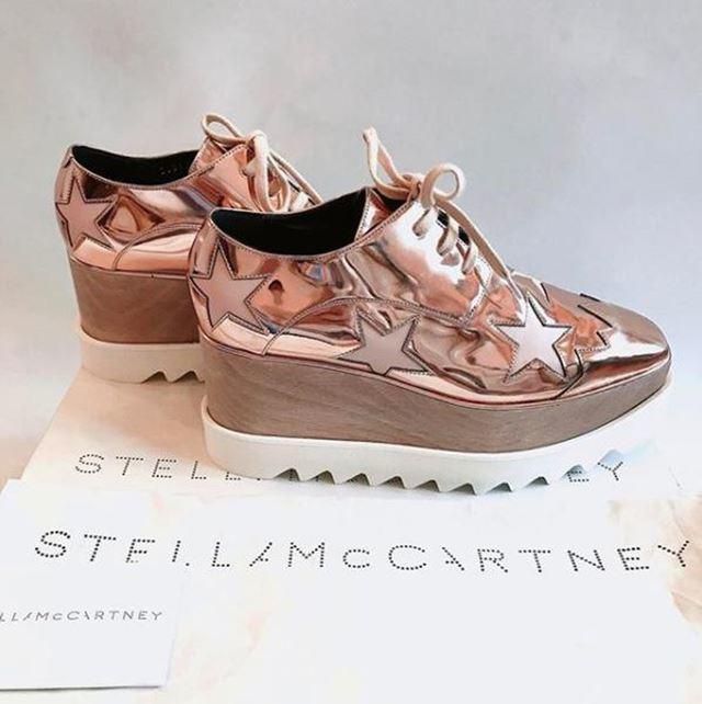Bạn gái mạnh tay chi hơn chục triệu mua giày tặng Duy Mạnh, kèm thêm câu dằn mặt đáng yêu - Hình 13