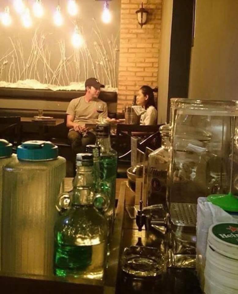 Các cặp đôi Vbiz và Kbiz hẹn hò qua ống kính paparazzi: Khi sao Việt quá bạo, sao Hàn trang bị quá bài bản, khôn khéo - Hình 19