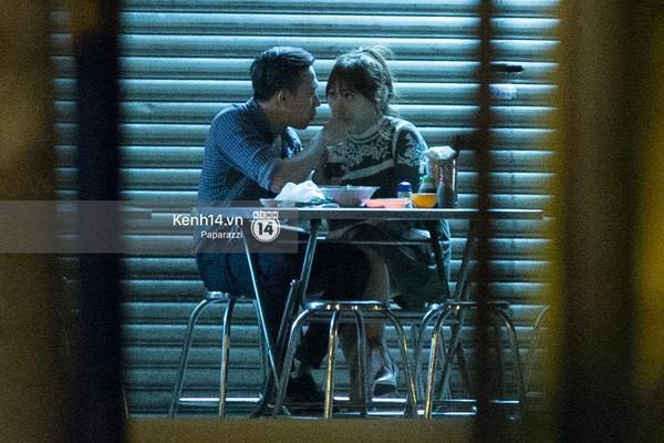 Các cặp đôi Vbiz và Kbiz hẹn hò qua ống kính paparazzi: Khi sao Việt quá bạo, sao Hàn trang bị quá bài bản, khôn khéo - Hình 10