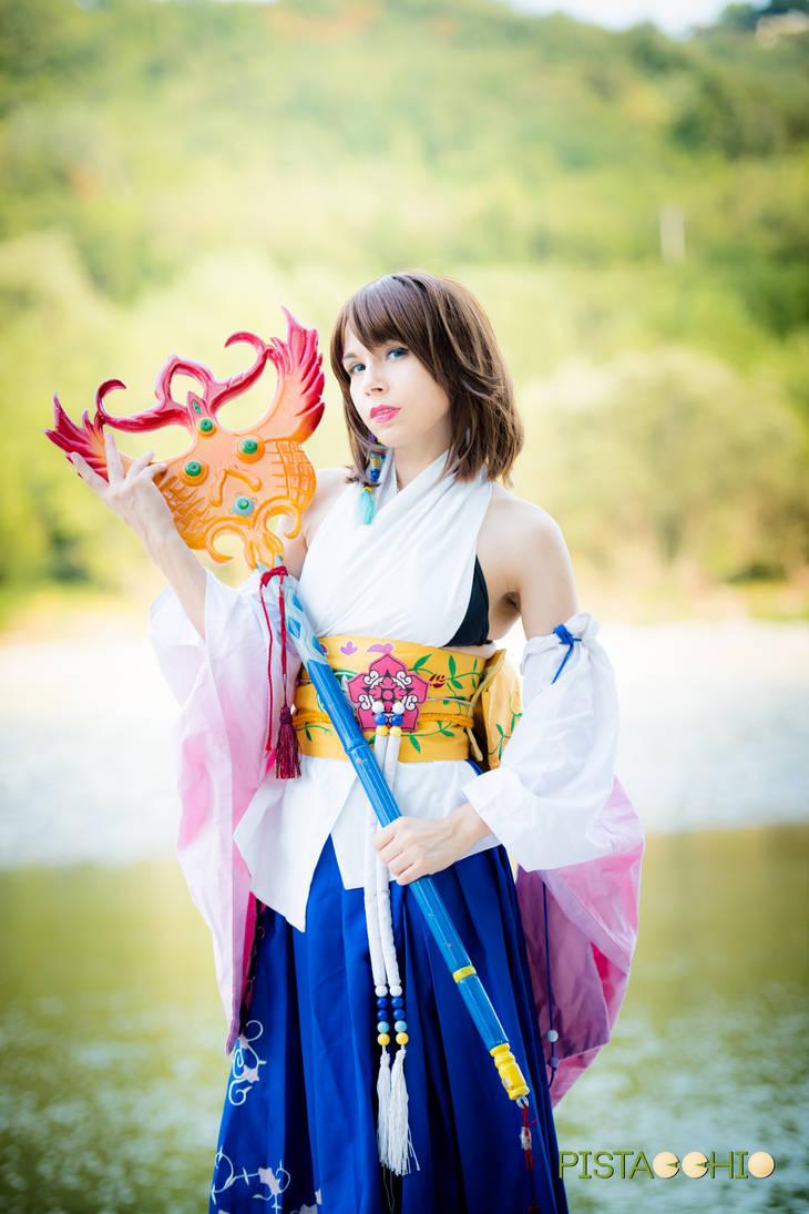 Cosplay Summoner Yuna với nét đẹp lai Châu Á - Hình 2