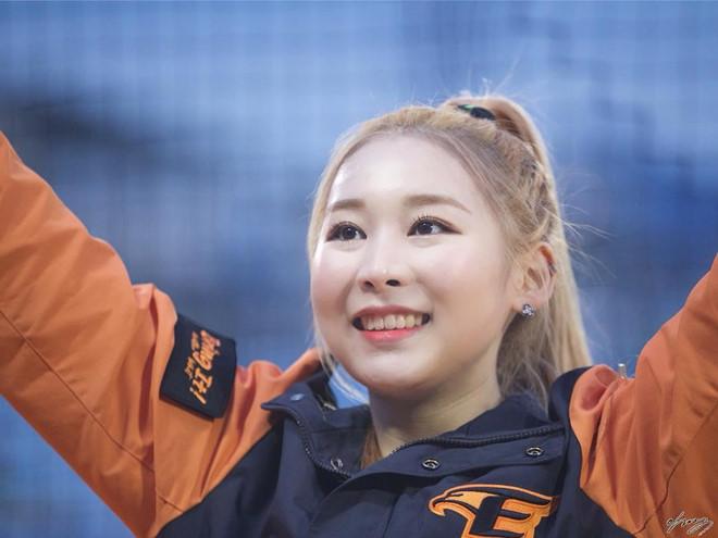 Dàn hoạt náo viên xinh đẹp không kém Idol của CLB bóng chày Hàn Quốc - Hình 10