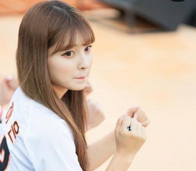 Dàn hoạt náo viên xinh đẹp không kém Idol của CLB bóng chày Hàn Quốc - Hình 7