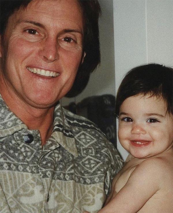 Kendall Jenner khoe ảnh thời bé bên bố, tri ân Ngày của cha - Hình 1