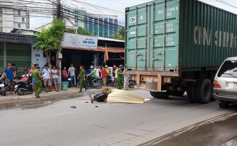 Một ngày hai vụ tai nạn giữa container và xe máy, 2 người tử vong - Hình 3