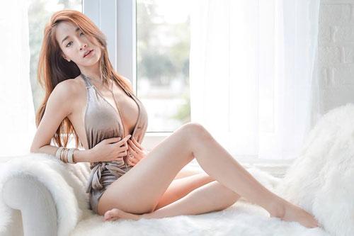 Ngắm đường cong hoàn hảo của 'nữ thần vòng 1' Thái Lan - Hình 3
