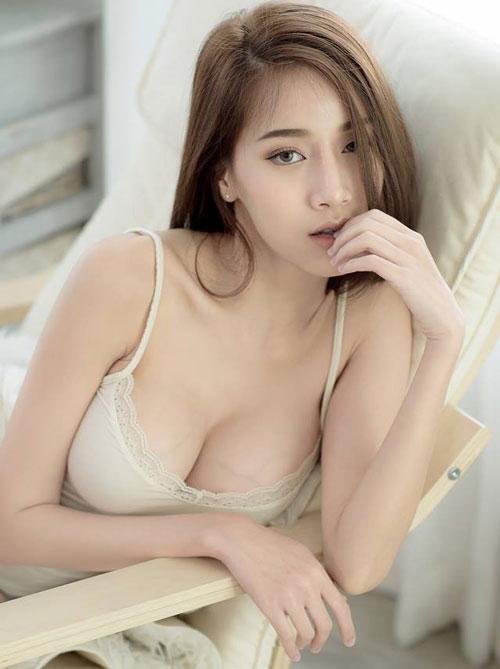 Ngắm đường cong hoàn hảo của 'nữ thần vòng 1' Thái Lan - Hình 4
