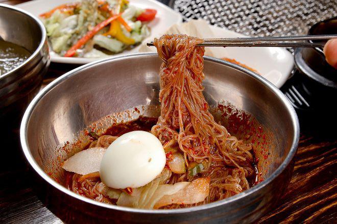 Người Hàn Quốc có món trứng nghe tên rất khủng bố nhưng ăn thì rất ngon - Hình 2