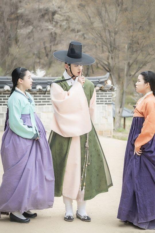 Rookie Historian Goo Hae Ryung phát hành hình ảnh của hoàng tử điển trai Cha Eun Woo và xác nhận ngày lên sóng - Hình 4