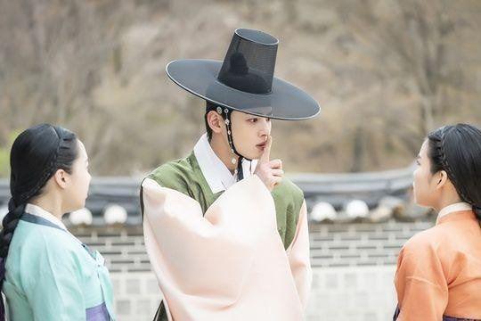 Rookie Historian Goo Hae Ryung phát hành hình ảnh của hoàng tử điển trai Cha Eun Woo và xác nhận ngày lên sóng - Hình 3