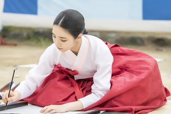 Rookie Historian Goo Hae Ryung phát hành hình ảnh của hoàng tử điển trai Cha Eun Woo và xác nhận ngày lên sóng - Hình 9