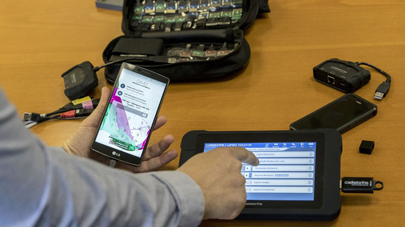 Sếp công ty bán máy unlock tuyên bố: Tất cả iPhone, iPad đều có thể bị bẻ khóa - Hình 2
