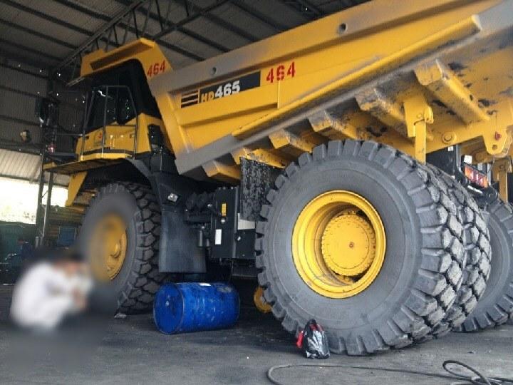 Tai nạn hy hữu: Một công nhân Công ty than Hà Tu bị lốp xe đè tử vong - Hình 1