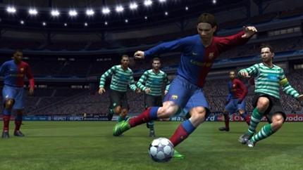 Tạm biệt thương hiệu Pro Evolution Soccer, cùng nhìn lại những bản PES hay nhất trong lịch sử (P2) - Hình 4