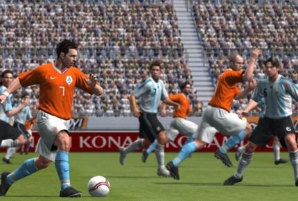 Tạm biệt thương hiệu Pro Evolution Soccer, cùng nhìn lại những bản PES hay nhất trong lịch sử (P2) - Hình 3