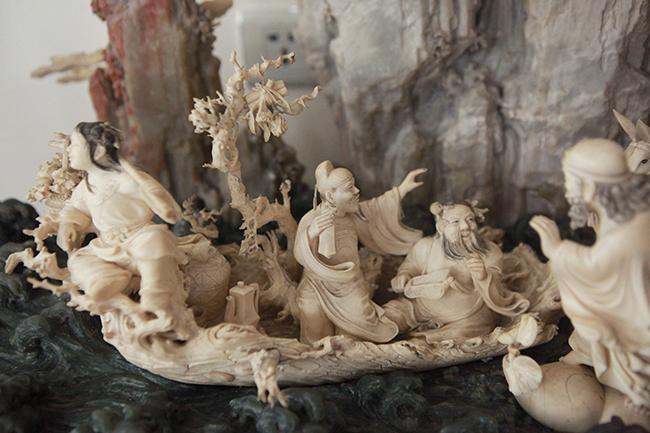 Tuyệt phẩm điêu khắc bát tiên quá hải độc nhất vô nhị ở Việt Nam - Hình 4