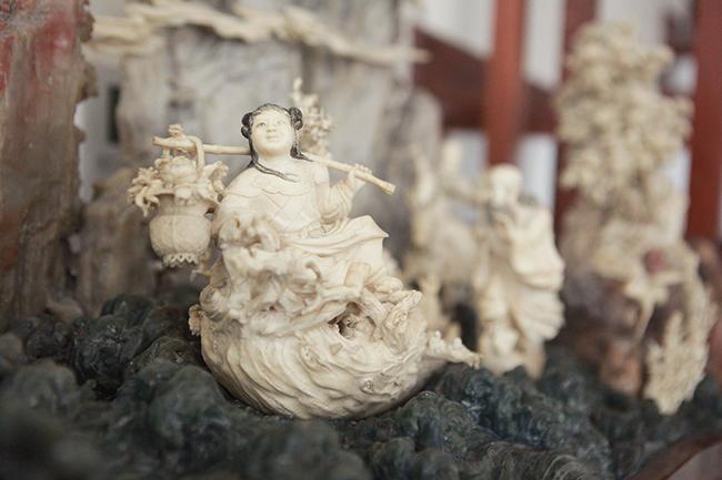 Tuyệt phẩm điêu khắc bát tiên quá hải độc nhất vô nhị ở Việt Nam - Hình 10