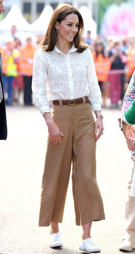 6 kiểu trang phục rất được lòng các nàng dâu Hoàng gia Anh, chị em nên tham khảo để nâng tầm phong cách - Hình 5
