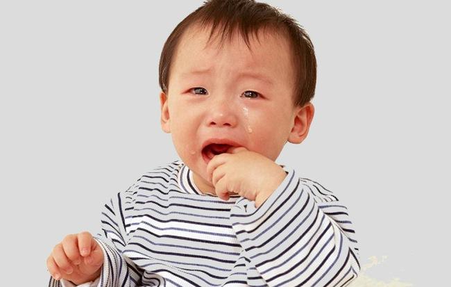 Bé 1 tuổi suy giảm nhận thức, nguy kịch tính mạng vì sự chủ quan của cha mẹ và cảnh báo của bác sĩ - Hình 1