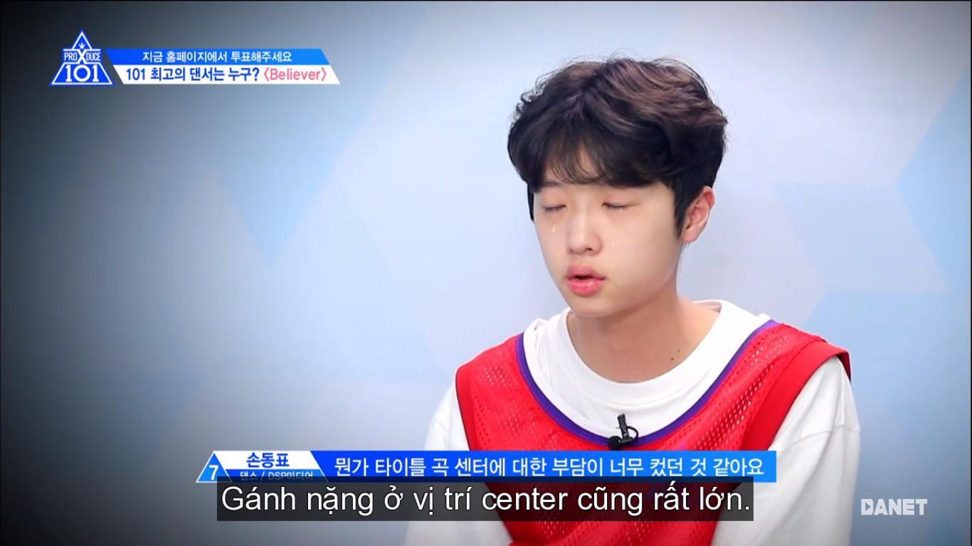 Center bài hát chủ đề Produce X 101 nức nở vì sợ không được debut - Hình 3