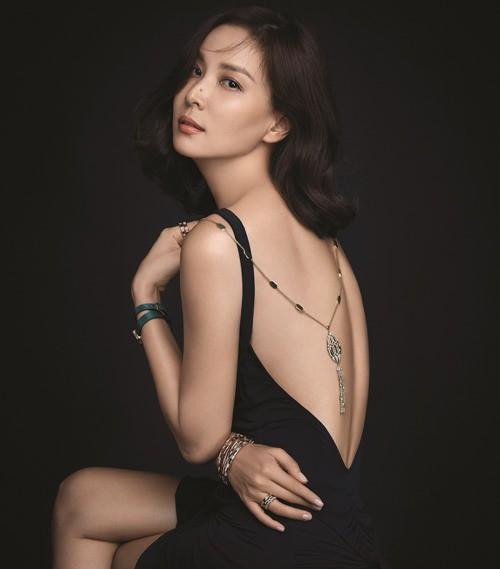 Chăm vợ khéo như Jang Dong Gun, U50 rồi mà sắc vóc vẫn trẻ đẹp kinh ngạc - Hình 3