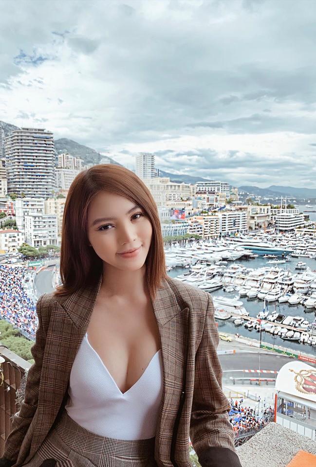Chân dung Hoa hậu Việt lộ ảnh thân mật với cầu thủ ngoại hạng Anh nổi tiếng giá 450 tỷ - Hình 6