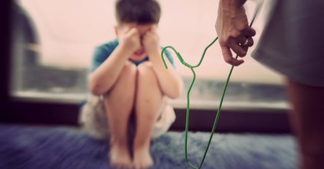 Chuyên gia tâm lý cho biết: Có 4 cách dạy dỗ trẻ bố mẹ cần nhớ thay vì đánh mắng khiến con kém cỏi - Hình 1