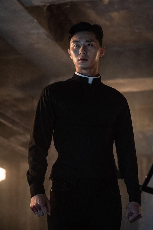 Hoá ra chủ tịch Park Seo Joon cực nghiện khoe 6 múi trên màn ảnh, múi nào múi nấy siêu to siêu khổng lồ? - Hình 5